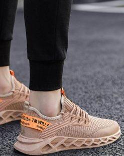 khaki-sneakrs-2020