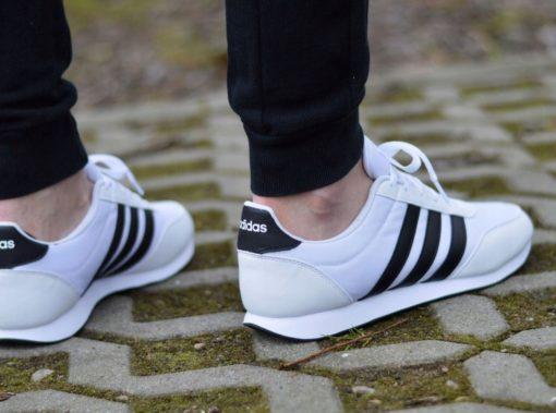 Adidas-V-Racer-2-0-B75796-herren