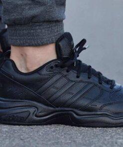 Schuhe Adidas-Strutter-EG2656
